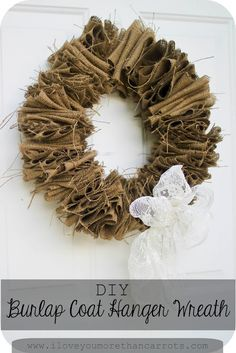 Burlap Wreath   I'm doing this one!