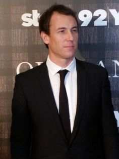The dashing @TobiasMenzies (Frank and Black Jack) arriving at the @92Y premiere event #Outlander