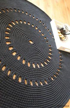 Wonderful Pic Crochet afghan black Tips 60 Trendy Crochet Afghan Black Throw Blankets, Crochet Afghans, Crochet Mat, Crochet Carpet, Crochet Rug Patterns, Crochet Round, Crochet Home, Free Crochet, Blanket Patterns, Blanket Crochet