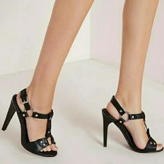 MISSGUIDED BUCKLE EYELET HIGH HEELS SANDALS 6 Brand new in box... Size 6... More sizes available Missguided Shoes Heels