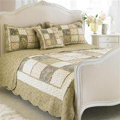 Paoletti Avignon Super King 275 x 275cm Bedspread, Beige