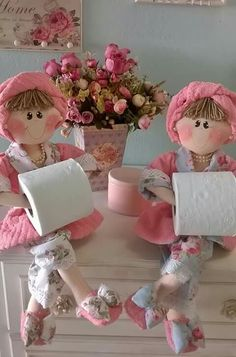 Porta papel Foam Crafts, Diy And Crafts, Crafts For Kids, Arts And Crafts, Sewing Crafts, Sewing Projects, Projects To Try, Clothes Crafts, Doll Clothes