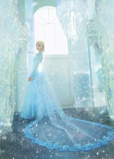 Elsa from frozen (I can't tell if this ridiculously amazing art work or cosplay. I'm pretty sure it's cosplay though) Elsa Cosplay, Frozen Cosplay, Disney Cosplay, Cosplay Girls, Cosplay Costumes, Fairy Costumes, Walt Disney, Disney Love, Disney Frozen