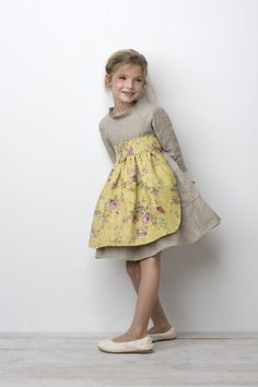 Beige linen dress with floral apron Little Girl Fashion, Little Girl Dresses, Kids Fashion, Girls Dresses, Toddler Dress, Baby Dress, Fashion Moda, Cute Outfits For Kids, Kid Styles