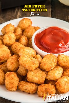 Air fryer tater tots are perfectly crispy, even better than cooking them in the oven! Make some as a quick side for dinner on busy weeknights. #AirFryerTaterTots #TaterTots Air Fryer Recipes Easy, Fun Easy Recipes, Delicious Dinner Recipes, Yummy Appetizers, The Slow Roasted Italian, Good Food, Yummy Food, Fast Easy Meals, Tater Tots
