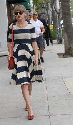 I don't love Taylor Swift but she has some good style.