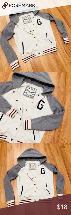 Fleece Jacket Gray and white cream color with stripe design detail. This hoodie is so soft and warm. Garage Jackets & Coats