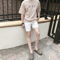 Korean Street Fashion - Life Is Fun Silo Korean Fashion Men, Korean Street Fashion, Korea Fashion, Boy Fashion, Mens Fashion, Korean Casual, Stylish Mens Outfits, How To Pose, Korean Outfits