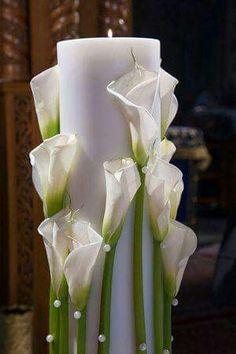 Choosing Your Wedding Flowers - Aspire Wedding Floating Candle Centerpieces, Floral Centerpieces, Wedding Centerpieces, Wedding Decorations, Candle Decorations, Unity Candle, Decoration Evenementielle, Glamour Decor, Modern Flower Arrangements