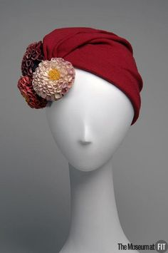 Dahlia flowers made from ruffle pleated ribbon I think (Hat  1940  The Museum at FIT)