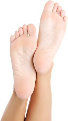 Do your feet really grow when you're pregnant? Feet Soles, Women's Feet, Skin Care Regimen, Skin Care Tips, Hard Skin Remover, Foot Powder, Cute Toes, Pregnancy Health, Prevent Wrinkles