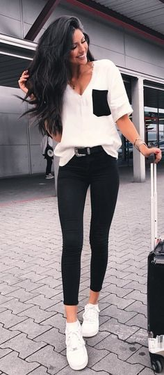 #summer #outfits Had The Best Time In Berlin At The @hunkemoller Event For My Girl @caro_e_ Now Heading Back Home And Can't Wait For My Bed Hehehe ✈️