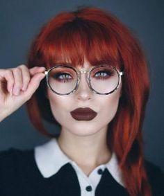 Τα 5 καλύτερα χρώματα κραγιόν για κοκκινομάλλες! | ediva.gr Καφέ lipstick Red Hair With Bangs, Red Bangs, Dark Red Hair, Ginger Hair Color, Red Hair Color, Color Red, Make Up Looks, Red Hair Makeup, Eye Makeup