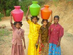 La condition des femmes indiennes reste considérée comme une des plus difficiles du monde. Depuis les milliers de « dowry deaths» (femmes tuées parce que leur dot est insuffisante pour un mariage) jusqu'aux infanticides de filles en passant par le mariage des fillettes, la condition des femmes en Inde reste profondément marquée par une discrimination de genre ancrée dans des traditions moyenâgeuses. -- Clic 2X (article Wiki)