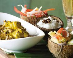 Qui dirait non à ce curry d'agneau, sauce relevée, chatini de pommes d'amour* et son riz épicé... @fourseasons Resort, les Seychelles   *(salade de tomate des îles)