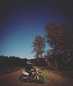 Dual Sport Canada — @nickdellar snapped this amazing night riding !!...