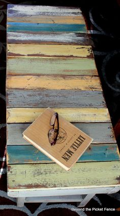 Pallet Bench Tutorial. DIY furniture, indoor/outdoor bench, garden, balcony, entryway, interior design, home decor, shabby chic, rustic, repurposed, recycled, upcycled. More pallet ideas at http://pinterest.com/wineinajug/passion-for-pallets/