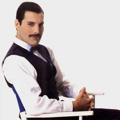 Freddy Mercury thank you for your music RIP. You are greatly missed.