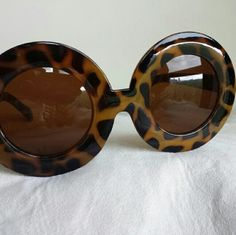CLOSET CLEAROUT!!  Oversize Round Sunglasses Giraffe print, round sunnies. Accessories Sunglasses
