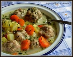 Zupa koperkowa z pulpetami Soup Recipes, Cooking Recipes, Polish Recipes, Food Plating, Healthy Cooking, Food To Make, Food And Drink, Yummy Food, Lunch