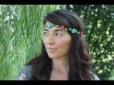 Coroncina di fiori per capelli all'uncinetto