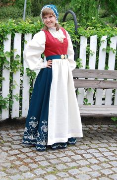 Hello all, Today I will try to cover all of Norway. Norway has many beautiful costumes, and the folk costume culture is alive and we. Norwegian Clothing, Culture Clothing, Beautiful Costumes, Folk Costume, Norway, Lace Skirt, Lady, Oslo, Pretty