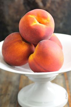 60+ Easy Peach Recipes that take the juicy peach to breakfast, lunch, dinner and dessert! //addapinch.com