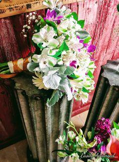Floral Design, Sangria, Floral Wreath, Coral, Wreaths, Plants, Wedding, Home Decor, Valentines Day Weddings