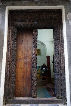 Zanzibar style -- love all the beautiful doors! : exotic front doors - pezcame.com
