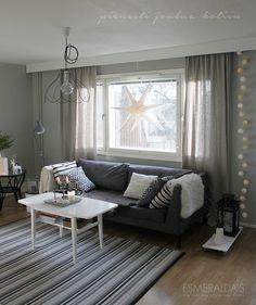 Christmas Home Exterior Design, Interior And Exterior, Living Room Grey, Christmas Home, Homes, Couch, Dining, Furniture, Home Decor