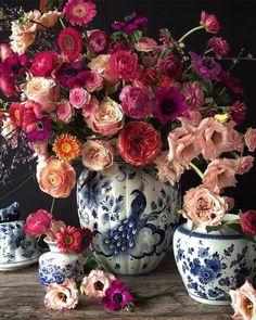 A beautiful floral arrangement. Beautiful Flower Arrangements, Floral Arrangements, Real Flowers, Beautiful Flowers, Pink Flowers, Arte Floral, Gerbera, Ikebana, Wedding Flowers