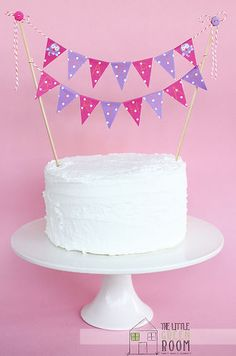 """Easy to make: Giggle And Hoot """" Hootabelle """"  Happy Birthday 2 String Bunting Flag Cake Banner"""