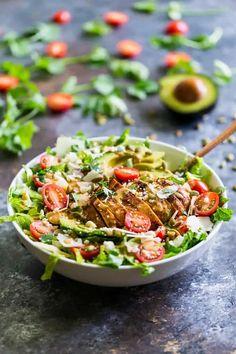 Mexican Chipotle Chicken Caesar Salad | Get Inspired Everyday! Chicken Caesar Pasta Salad, Ceasar Salad, Salad Recipes, Healthy Recipes, Healthy Foods, Salad Toppings, Classic Salad, Chipotle Chicken, Baked Chicken Breast