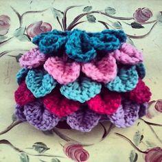 Petal Baby Hat Crocodile Stitch ~ free pattern ᛡ (0-3 mo, 6m and 12m)