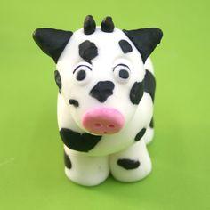 How To Make A Fondant Cow | Farmyard Animal Cake
