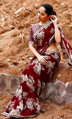 Anchor Anasuya Beautiful Stills South Indian Actress Photo, Indian Actress Hot Pics, Beautiful Girl Indian, Beautiful Saree, Glamour Ladies, Dehati Girl Photo, Most Beautiful Bollywood Actress, Saree Photoshoot, Stylish Clothes For Women