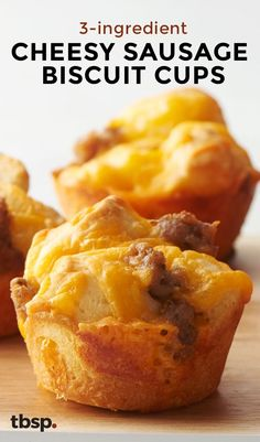 An easy, on-the-go breakfast that doubles as a legit brunch offering made with just three ingredients seems too good to be true, but these cheesy sausage biscuit cups made in a muffin pan prove it's possible! (Baking Eggs In Muffin Tin) Sausage Breakfast, Breakfast Dishes, Breakfast Recipes, Breakfast In Muffin Tins, Easy Kid Breakfast Ideas, Breakfast Tailgate Food, Breakfast Finger Foods, Mini Breakfast Quiche, Breakfast Casserole Muffins