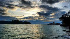 #pangkor #malaysia #asia #island #nature #beach #sea #rocks #amazing #landscape #beautiful #skyporn #sunset #colors #dark #clouds #natureatitsbest #enjoytheview #lovemylife #chill #paradise #roadtrip #travel #backpacker #routard #experienceroutard #samsungs6 #photography #pictureoftheday #nofilter http://tipsrazzi.com/ipost/1508677054580112316/?code=BTv5cmvB7u8