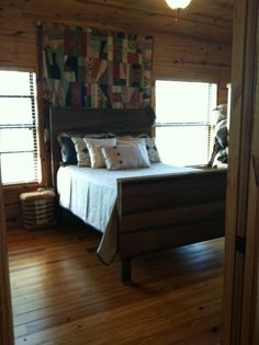 Barnwood bed by Trellis Designs
