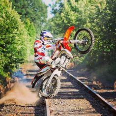 Motocross Love, Enduro Motocross, Enduro Motorcycle, Motocross Videos, Motocross Racing, Auto Racing, Ktm Dirt Bikes, Cool Dirt Bikes, Dirt Biking