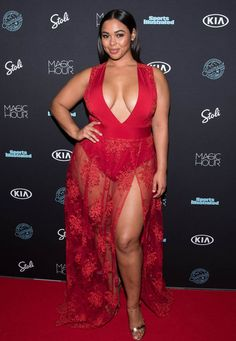 Plus-size Sports Illustrated model turns up heat in steamy bubble bath     WIRE      BRUNETTE BEAUTY: Tabria wows in sexy get-up    Curvaceous beauty Tabria Majors is hot property right now and has a bevy of fans thanks to her killer curves.  The brunette beauty graced Sports Illustrated for the first time this month.  Tabria was one of three voluptuous vixens who appeared in the celebrated Sports Illustrated Swimsuit Issue following Ashley Graham being the first ever plus-size model to…
