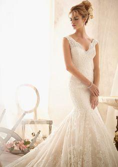 Wedding dress Pure handmade Bridal Ball gown Lace door Tiamodress, $329.00