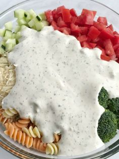 Ranch pasta salad is an easy and delicious side dish for summer picnics and bbq's. Only 6 ingredients and minutes to prepare. Tender pasta, cucumber, broccoli, tomatoes, and parmesan cheese covered in ranch dressing. So simple! Tomato Pasta Salad, Best Pasta Salad, Easy Pasta Salad Recipe, Summer Pasta Salad, Summer Salads, Ranch Pasta, My Recipes, Cooking Recipes, Favorite Recipes
