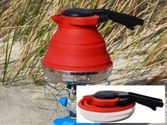 The Cuissential SlickBoil Collapsible Silicone Tea Kettle is stylish and great looking kettle that can be collapsed into just under 2.5 inches in height. This makes the kettle an ideal for campers, hikers, RV owners or those with a small kitchen and limited storage space.