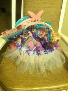 Doc McStuffin Easter Basket w/ sunglass, Pom-Pom, jewelry set, purse, bubble, & Easter Candy