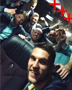 5,188 vind-ik-leuks, 54 reacties - AFC Ajax (@afcajax) op Instagram: 'The party continues!   #WeAreBack'
