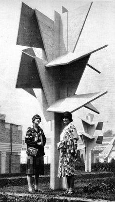 """Robert Mallet Stevens, Jardin de l'habitation moderne, 1925, imagen fuente desconocida """"ÁRBOLES DE HORMIGÓN Y CUBISMO"""". http://www.santiagodemolina.com/2014/12/arboles-de-hormigon-y-cubismo.html"""