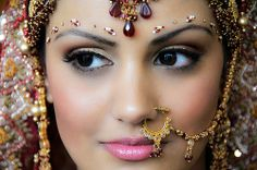 The Beautiful Gujarati Bride – Bridal Hairstyle, Bridal Saree and Indian Wedding Photos, Indian Wedding Jewelry, Indian Wedding Photography, Bridal Jewelry, Indian Weddings, South Asian Bride, South Asian Wedding, Indian Bridal Makeup, Asian Bridal