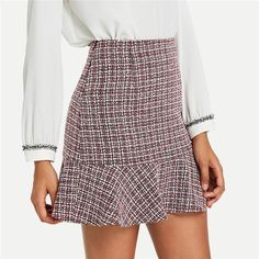 To find out about the Ruffle Hem Bodycon Skirt at SHEIN, part of our latest Skirts ready to shop online today! Plaid Mini Skirt, A Line Mini Skirt, Plaid Skirts, Fall Fashion Skirts, Plaid Fashion, Fashion Spring, Cheap Fashion, Women's Fashion, Fashion Trends