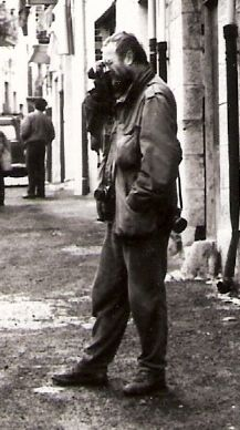 Josef Koudelka photographed in Collesano, Sicily (easter 1987)